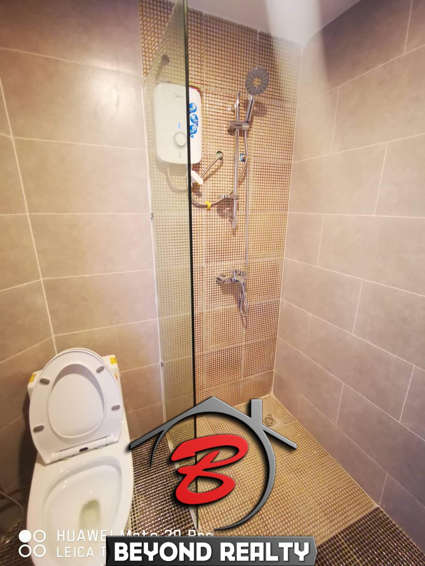 the bathroom of the 1br serviced condo for rent in Boeung Tompun Phnom Penh Cambodia