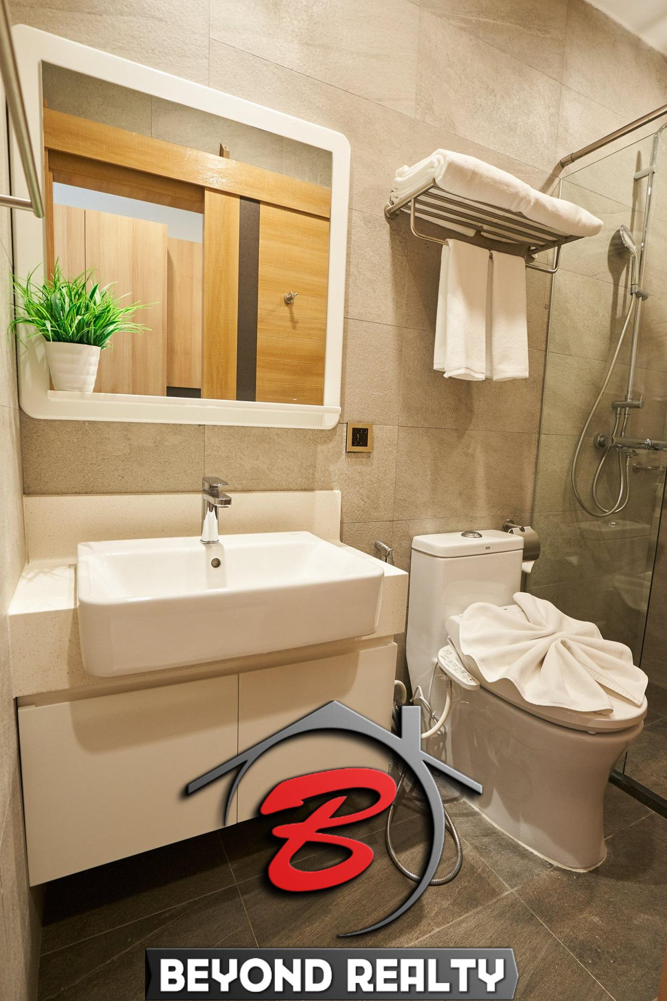 the bathroom of the luxury serviced studio apartment for rent in BKK1 in Phnom Penh Cambodia