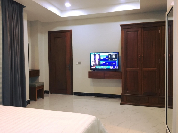 Serviced studio apartment for rent in Toul Tom Poung in Phnom Penh (7)