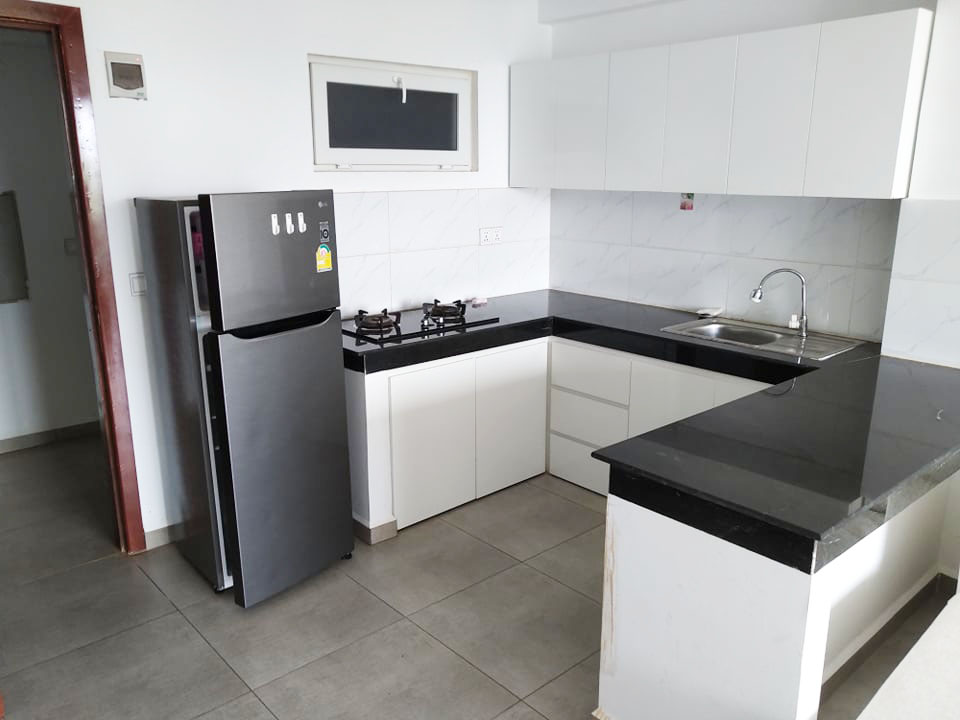 the kitchen of the 1-bedroom condo for rent in Sangkat 4 in Sihanoukville