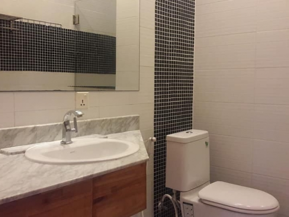 spacious 1-bedroom serviced condo for rent in Russian Market Toul Tom Pong 1 Phnom Penh