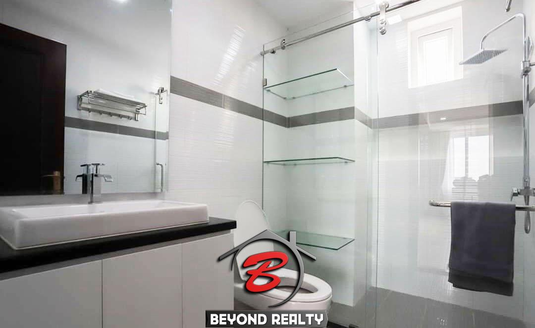 the bathroom of the serviced apartment for rent in Toul Tom Poung in Phnom Penh