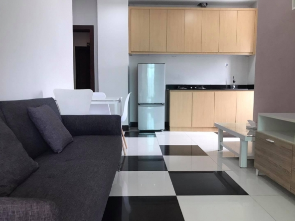 well furnished 43 sqm 1-bedroom apartment for rent in Toul Tom Pong Russian Market in Phnom Penh Cambodia (1)