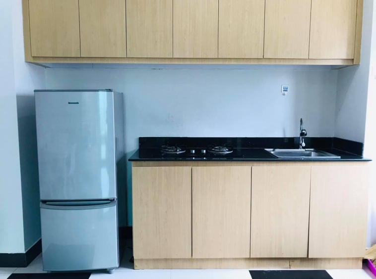 well furnished 43 sqm 1-bedroom apartment for rent in Toul Tom Pong Russian Market in Phnom Penh Cambodia
