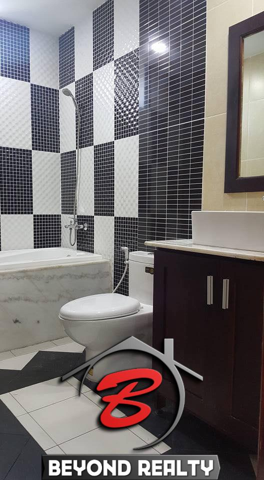 the lbathroom of the 1br cozy serviced apartment for rent in BKK3 Phnom Penh Cambodia