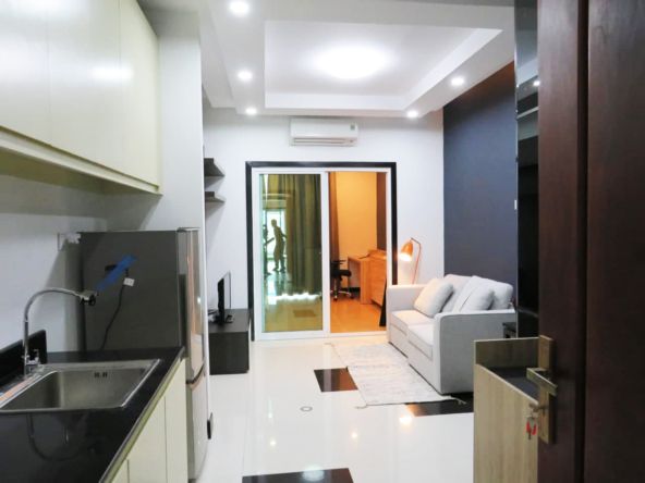 1br flat for rent in Toul Tom Poung Russian Market Phnom Penh Cambodia (2)