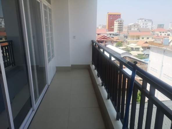 1br serviced apartment for rent in Toul Tom Poung Phnom Penh Cambodia (9)