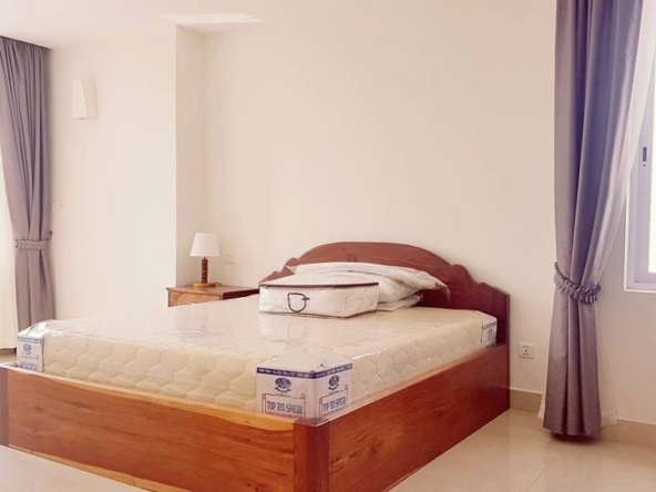 2-bedroom spacious serviced apartment rental in Toul Tom Poung (5)
