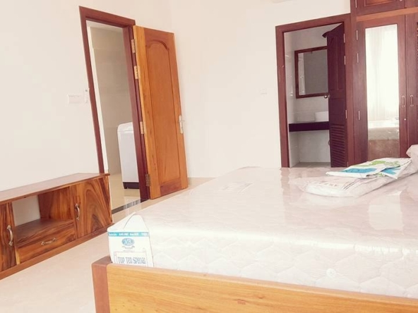 2-bedroom spacious serviced apartment rental in Toul Tom Poung (8)