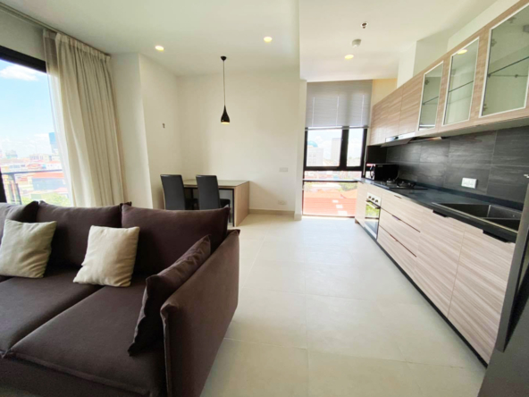 2br 107 sqm luxury condo for sale at Aura Condominium in Daun Penh Phnom Penh Cambodia (4)