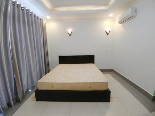 2br flat for rent in Toul Svay Prey near Toul Tom Poung and BKK3 in Phnom Penh Cambodia (2)