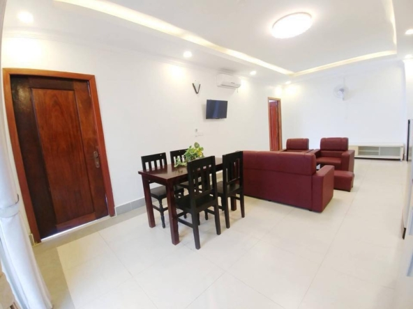 2br flat for rent in Toul Svay Prey near Toul Tom Poung and BKK3 in Phnom Penh Cambodia (4)