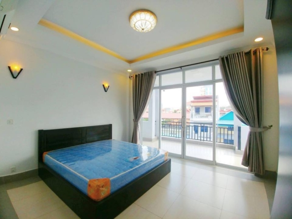 2br flat for rent in Toul Svay Prey near Toul Tom Poung and BKK3 in Phnom Penh Cambodia (9)
