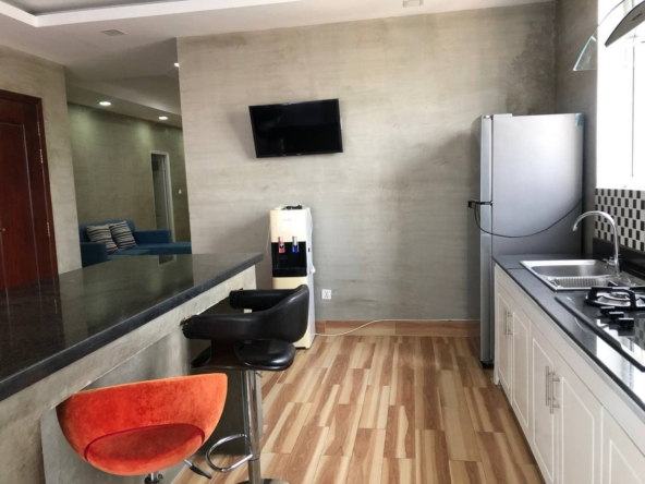 3-bedroom penthouse serviced apartment for rent in Tonle Bassac Phnom Penh Cambodia (1a)