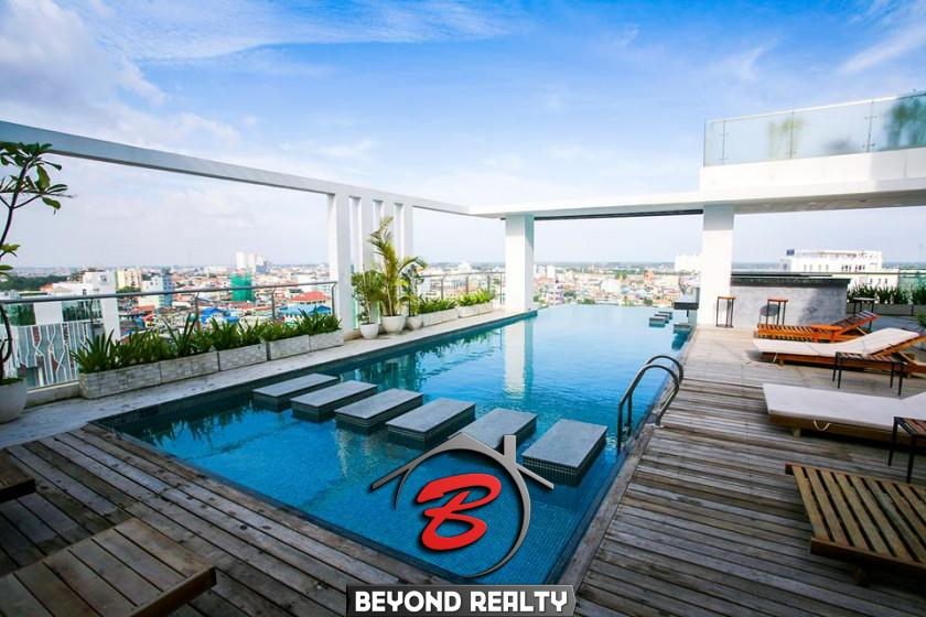 the swimming pool of the Aura Condominium condo unit for sale (resale) in Daun Penh Phnom Penh riverside (1)