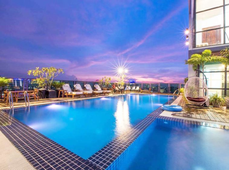 the swimming pool of the cozy serviced apartment for rent in BKK3 Phnom Penh Cambodia