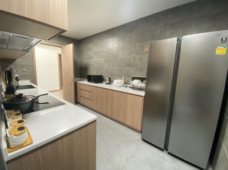 the kitchen of the 3-bedroom luxury spacious serviced flat for rent