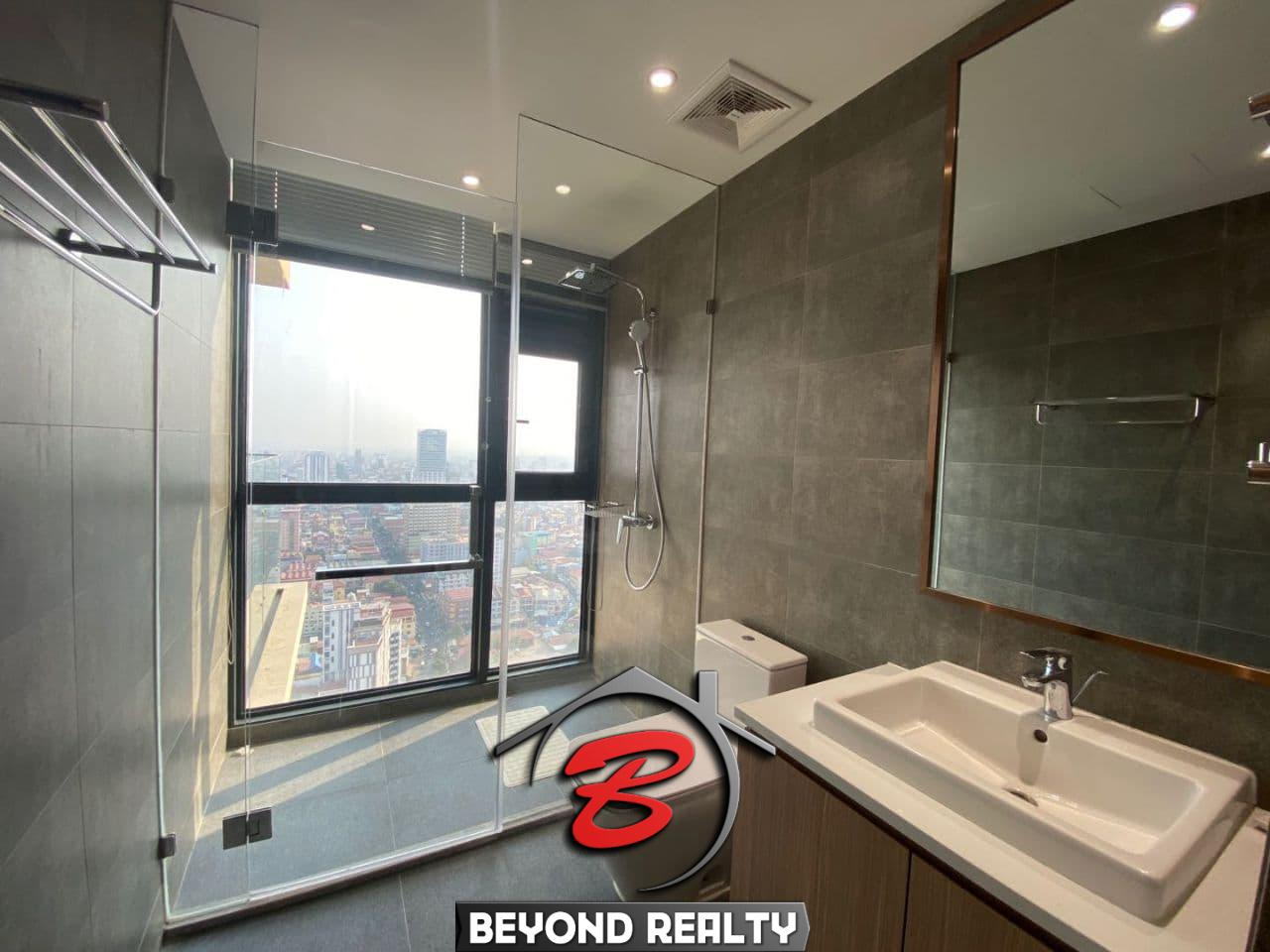 a bethroom of the 3-bedroom luxury spacious serviced flat for rent