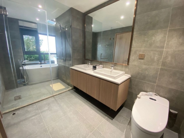 3-bedroom luxury spacious serviced flat for rent in Veal Vong 7 Makara Phnom penh Cambodia (8)