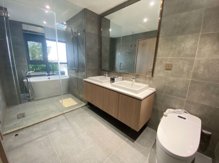 a bathroom of the 3-bedroom luxury spacious serviced flat for rent