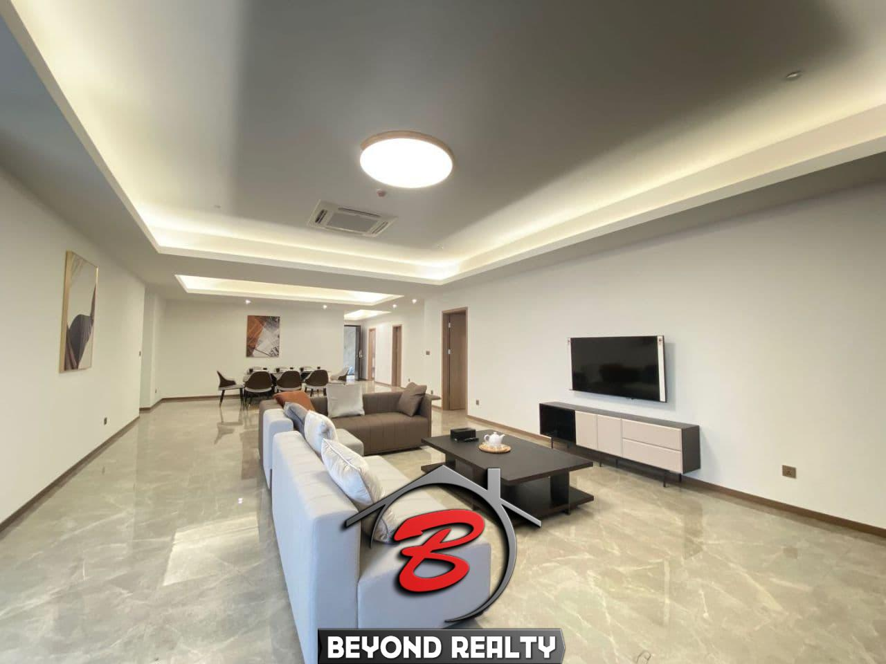 the living room 3-bedroom luxury spacious serviced flat for rent