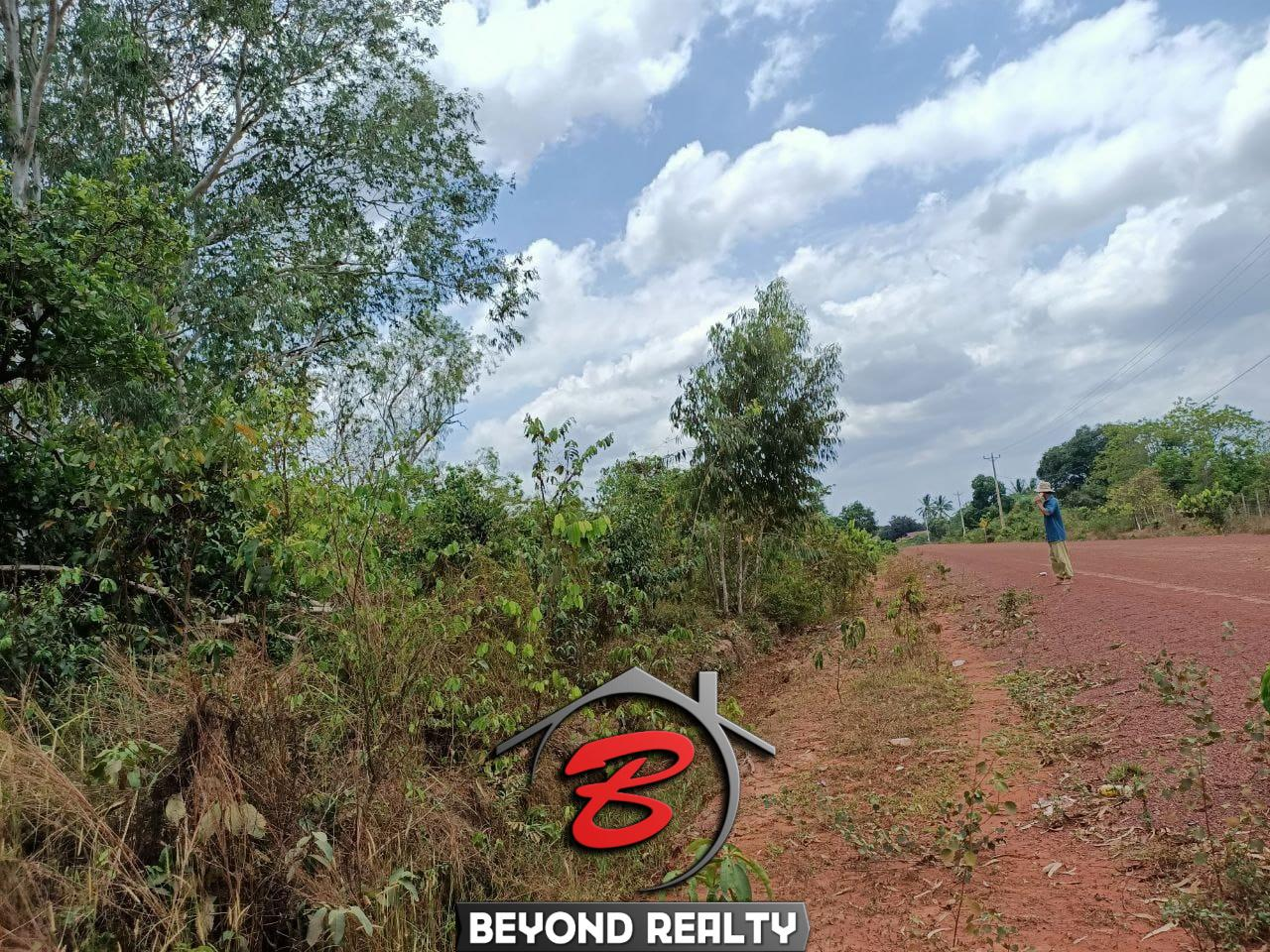 the road near the cheap land for sale in Srae Ambel Koh Kong Cambodia