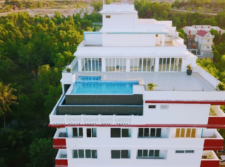 the exterior of the resale 1-bedroom condo for sale at Cvik Apartments 2 in Sangkat 4 in Sihanoukville