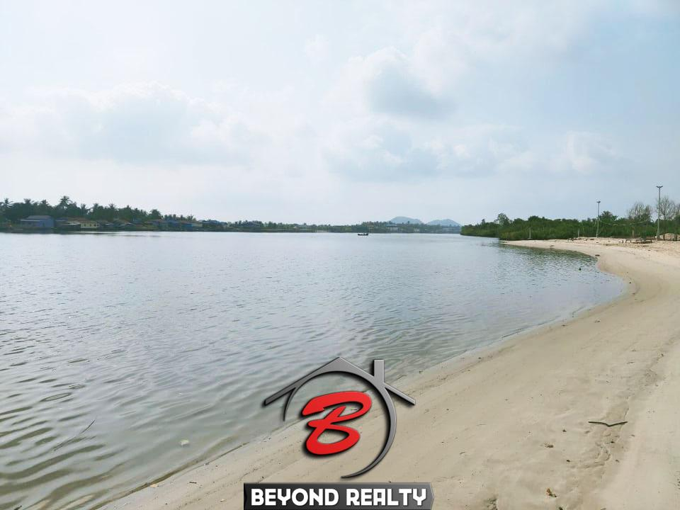 the beach of the riverside land for sale in Ta Doeb Andoung Khmer Kampot Cambodia